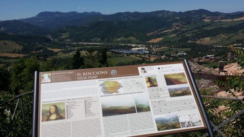 Vista Point Gioconda dal borgo di Pennabilli (RN)